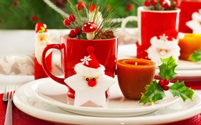 Picture branches, berries, candle, mug, plates, tree, plug, Santa Claus, bump, leaves