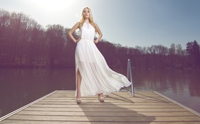 Picture pose, dress, blonde