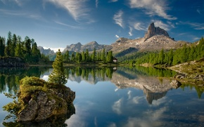 Wallpaper forest, mountains, lake, island, Italy