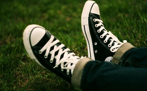 Picture grass, sneakers, jeans, converse, the converse
