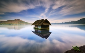 Picture landscape, lake, house