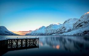 Picture winter, snow, mountains, lake, Marina, pierce