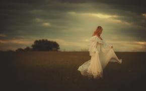 Picture field, girl, dress, TJ Drysdale, Distant Heart, Black Mullins