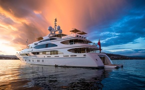Picture yacht, Suite, uxury motor yacht Galaxy