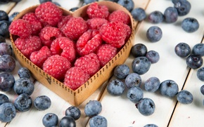 Picture berries, raspberry, blueberries, heart