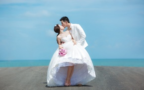 Picture sea, the sky, bouquet, horizon, pair, the bride, harbour, wedding, the groom