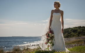 Picture sea, coast, bouquet, dress, hairstyle, the bride