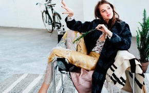 Picture flower, bike, room, chair, photoshoot, It, Anais Pouliot, Anais Pulio