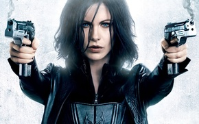 Picture guns, Kate, another world, Underworld Awakening