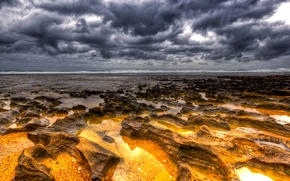 Picture sea, the sky, clouds, stones, horizon