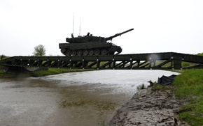 Picture tank, crossing, combat, Leopard 2A