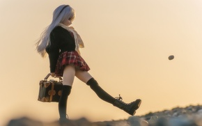 Picture toy, doll, blonde, bag, walk