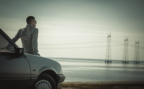 Picture loneliness, thoughts, by car, near water, rozumie