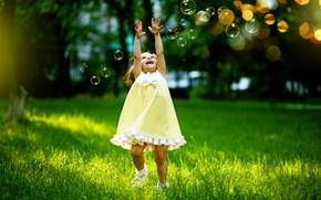 Picture grass, joy, childhood, girls, laughter, bubbles, girl