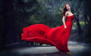 Picture drops, rain, the girl in the red