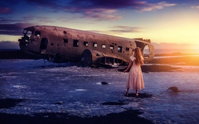 Picture the wreckage, girl, the plane, TJ Drysdale, Missing