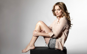 Picture girl, pose, background, model, shorts, makeup, actress, hairstyle, shirt, box, Margot Robbie, Margot Robbie