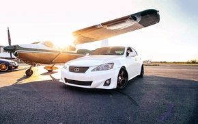 Picture the sun, the plane, Lexus, lexus is
