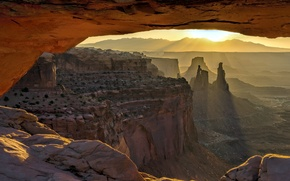 Picture Mesa Arch, Sunrise, Canyonlands National Park