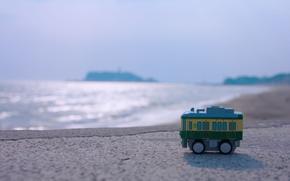 Picture sea, summer, water, the sun, macro, surface, lights, shore, toy, blur, horizon, floor
