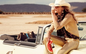 Picture machine, girl, model, watermelon, hats, Edita Vilkeviciute