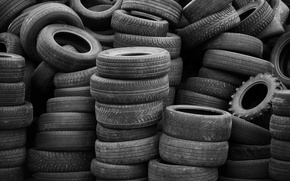 Picture tires, rubber, worn