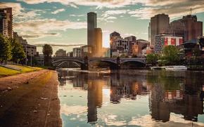 Picture bridge, the city, the evening, Melbourne, Australia