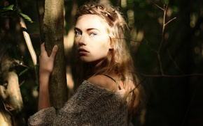 Picture look, leaves, girl, the sun, trees, face, background, fright, widescreen, Wallpaper, mood, trunk, wallpaper, girl, …