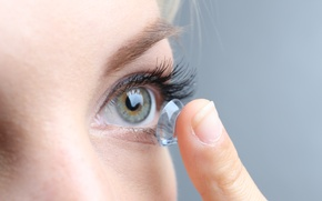 Picture vision, eye, Fingers, contact lenses