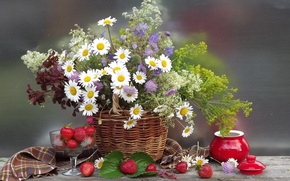 Picture flower, summer, flowers, nature, berries, basket, chamomile, bouquet, strawberry, basket