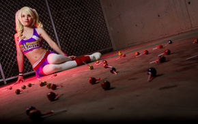 Picture look, girl, wall, grille, blonde, sitting, cosplay, Lollipop Chainsaw, Juliet Starling, Lollipop