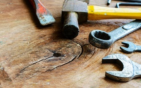 Picture table, hammer, wrench, hand tools