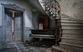 Picture music, the door, piano