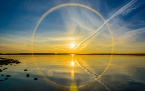 Picture the sun, halo, lake, reflection