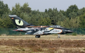 Picture fighter, bomber, the airfield, the rise, Panavia Tornado, IDC