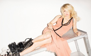 Picture composer, Cosmopolitan, English singer, Ellie Goulding