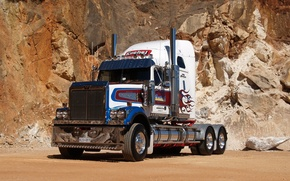 Picture tractor, quarry, Western Star