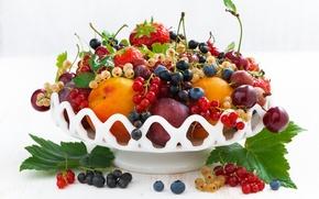 Picture summer, cherry, berries, strawberry, fruit, currants, gooseberry, wealth, nectarine, blueberries, abundance
