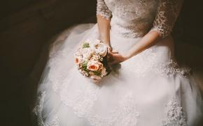 Picture the bride, wedding, dress, bouquet