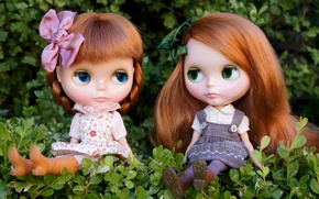 Picture nature, girls, toys, doll, red, sitting