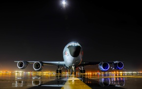 Picture Boeing, KC-135, four-engined, Stratotanker, jet, multifunction, specialized, tanker, military transport, the plane