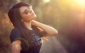 Picture the sun, pose, hair, Mike, brunette, glasses, Blik