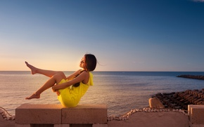 Picture sea, summer, girl
