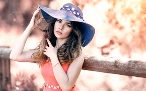 Picture makeup, hat, sponge, Alessandro Di Cicco, A soft touch