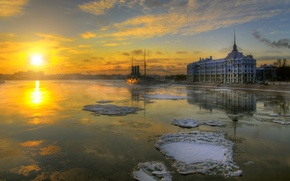 Picture cruiser, Aurora, Saint Petersburg, winter