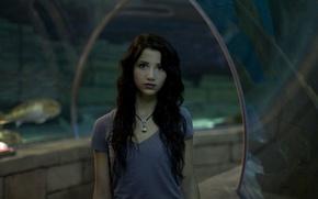 Picture girl, glass, woman, model, fish, female, necklace, Emily Rudd, aquarium
