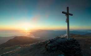 Picture landscape, mountains, cross, morning