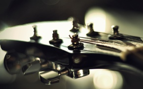 Picture light, guitar, strings