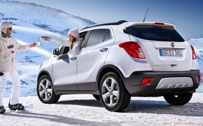 Picture white, girl, snow, jeep, Opel, Opel, guy, rear view, crossover, Mocha, Mokka