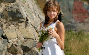 Picture look, girl, rock, bouquet, brown hair, t-shirt, Emily, wildflowers, charm, amelie, gray-eyed